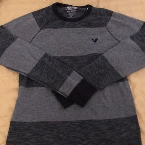American Eagle Grey Black Thermal Crewneck